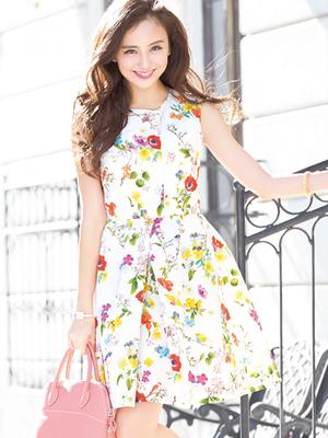 芸能人が8/7 日本全国ご自慢列島 ジマングで着用した衣装ワンピース