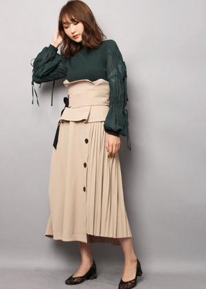 芸能人が100分de名著 ミヒャエルエンデ モモで着用した衣装スカート