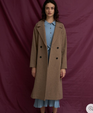 芸能人が姉ちゃんの恋人で着用した衣装コート