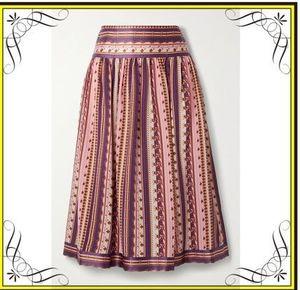 芸能人が取材 ウチの娘は、彼氏が出来ない!!で着用した衣装スカート、ブラウス