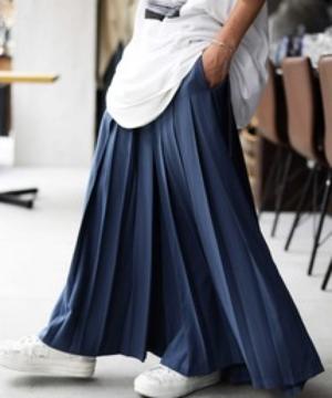 芸能人がEYEs CLOUDで着用した衣装パンツ