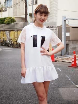 この商品を見る 芸能人島崎遥香が番組未選択で着用した衣装ブラウス/Tシャツ・