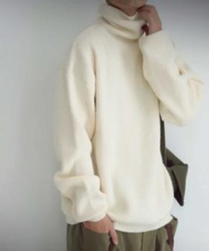 芸能人がまるごとで着用した衣装ニット/セーター