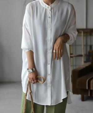 芸能人がその女、ジルバで着用した衣装シャツ/ブラウス