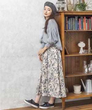 芸能人がザ!世界仰天ニュースで着用した衣装スカート、ニット