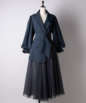 芸能人がメレンゲの気持ちで着用した衣装ワンピース、ジュエリー