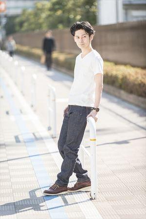 芸能人がCM 朝日新聞で着用した衣装パンツ