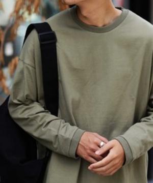 芸能人が名古屋行き最終列車2021で着用した衣装Tシャツ/カットソー