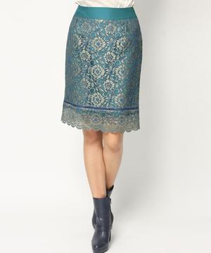 芸能人がHEATで着用した衣装スカート