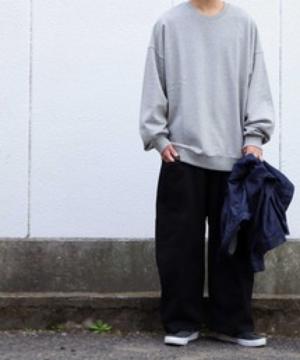 芸能人がFOOTBALL FREAKSで着用した衣装カットソー