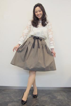 小林麗菜が王様のブランチで着用したスカート